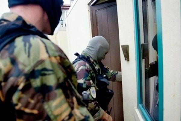 У Тисмениці під час обшуку поліції помер чоловік. Рідні вимагають покарати правоохоронців